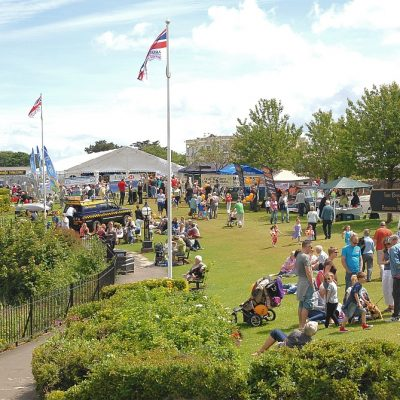 A-packed-Babbacombe-Downs-on-Fish-and-Chips-Day-Andrew-Park-photography